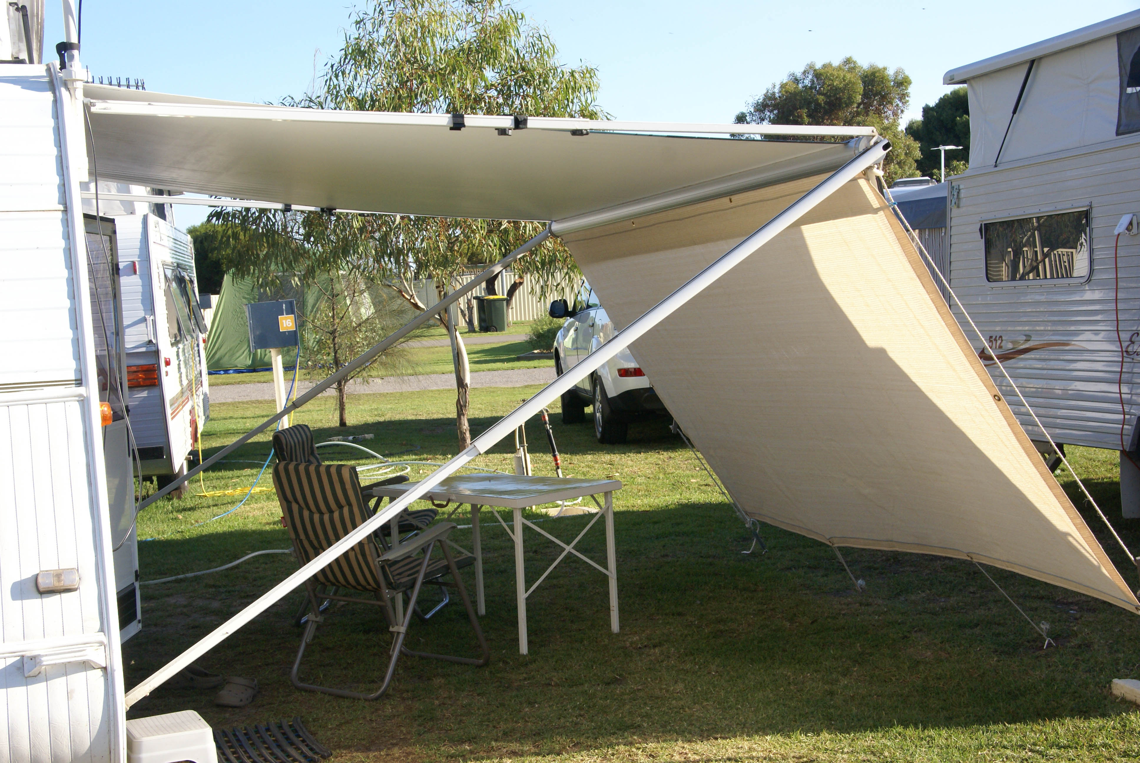how to put a caravan cover on