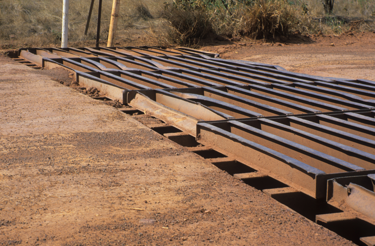 beware-of-rough-cattle-grids-on-outback-roads