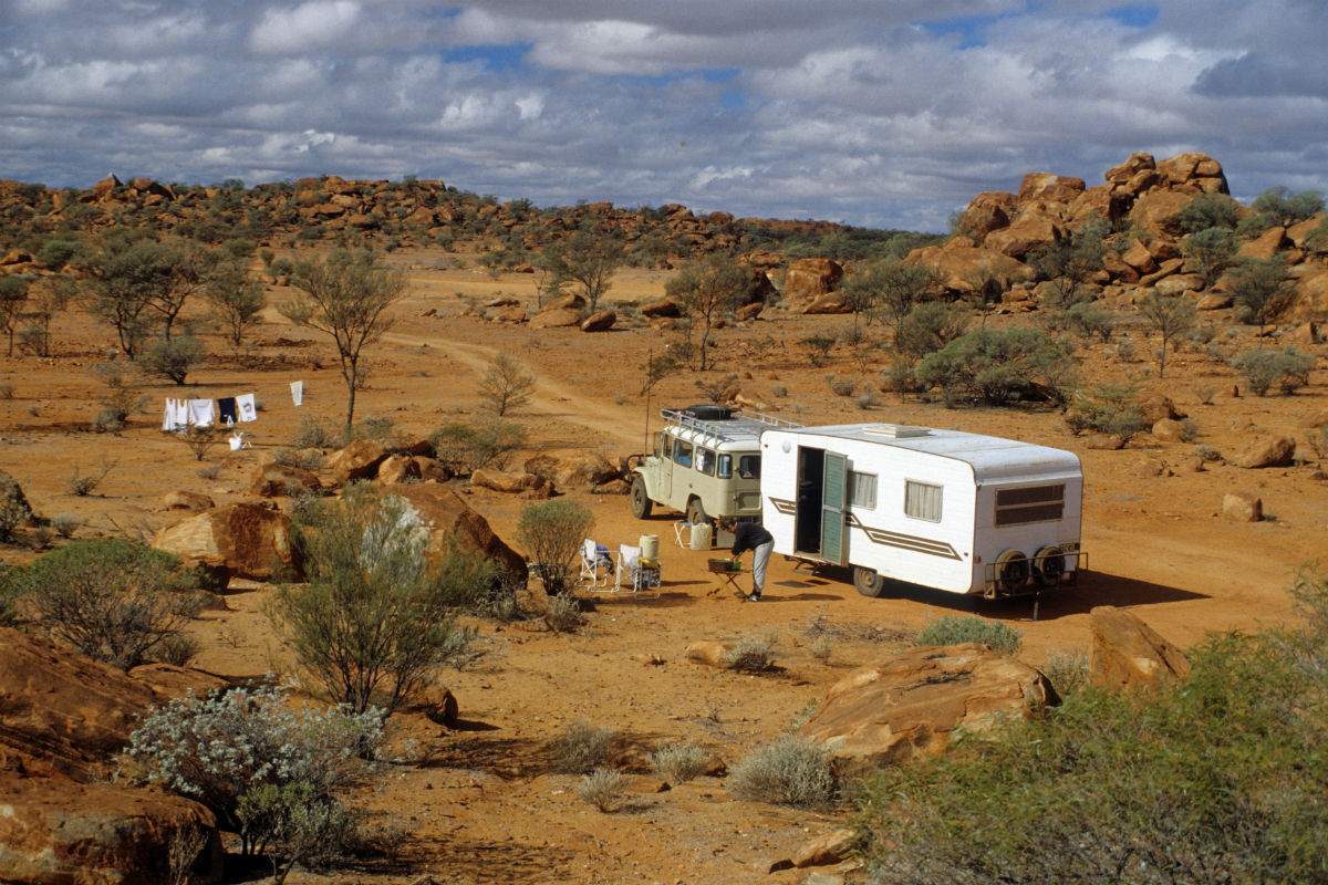 camping-in-the-bush-near-meekatharra-wa