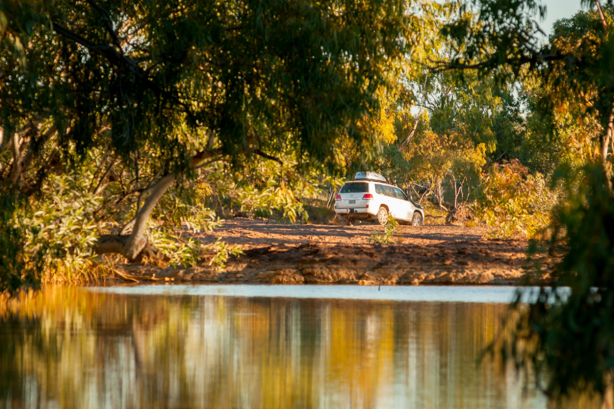 4WD driving away from long waterhole campground
