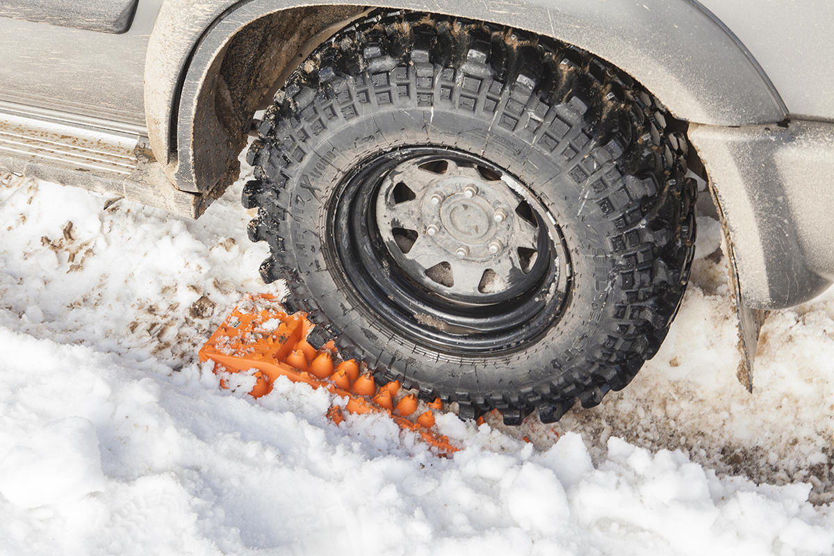 Driving-and-towing-in-the-snow-5