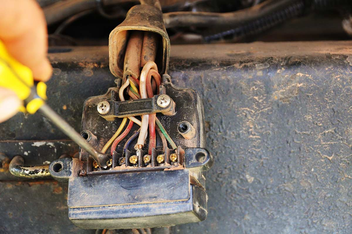 Trailer-plug-wires